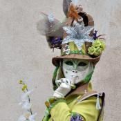 Le masque et le costume