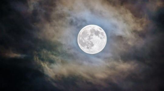 Les nuits de la pleine lune