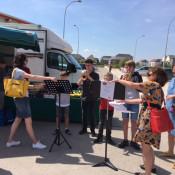 Un marché dominical musical