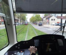 Le tramway est sur les rails