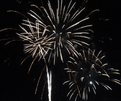 Chevigny: le feu d'artifice bat en retraite