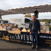 Aux Saveurs sur le marché de Chevigny St Sauveur