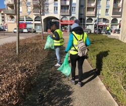 Plogging sur la ville : courir et marcher utile